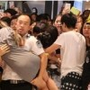 FTISLANDイ・ホンギのイベントで興奮したファンたちが気絶、警察が出動