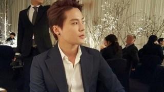 JYJ ジュンス、ファン・ジョンウムの結婚式に出席した記念ショット公開