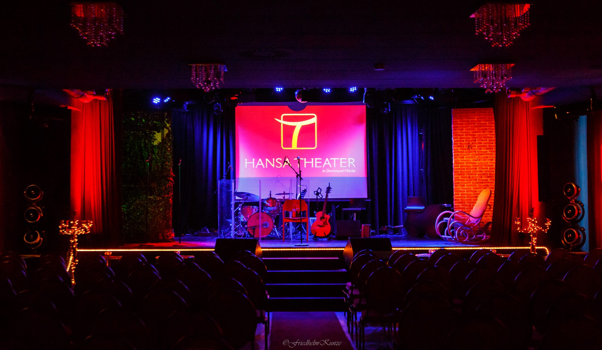 Bar Hocker Theater – Hansa Theater
