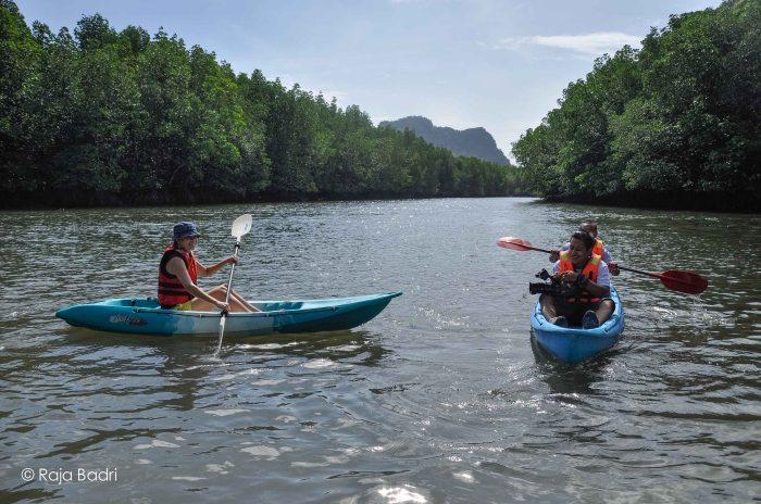 Kayaking through Kilim River
