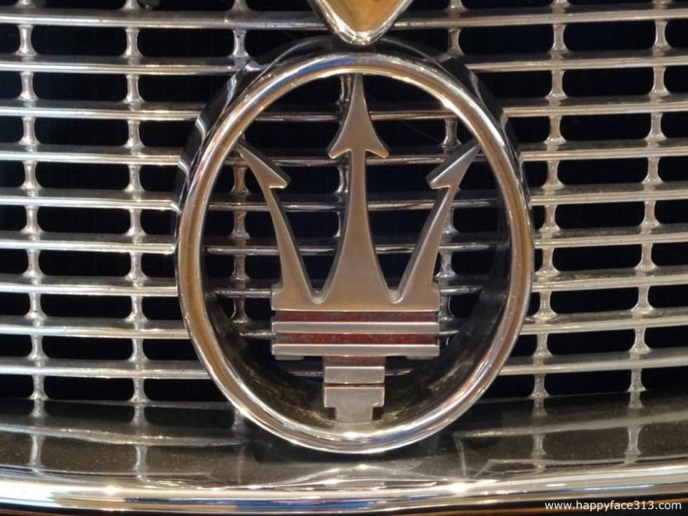 Maserati logo integrated in the radiator grill