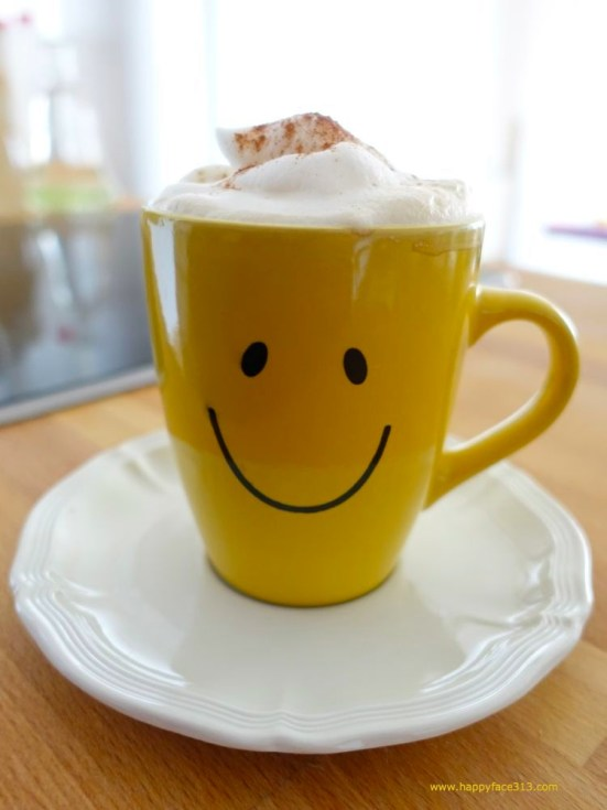 HappyFace313-yellow-happy-face-cup