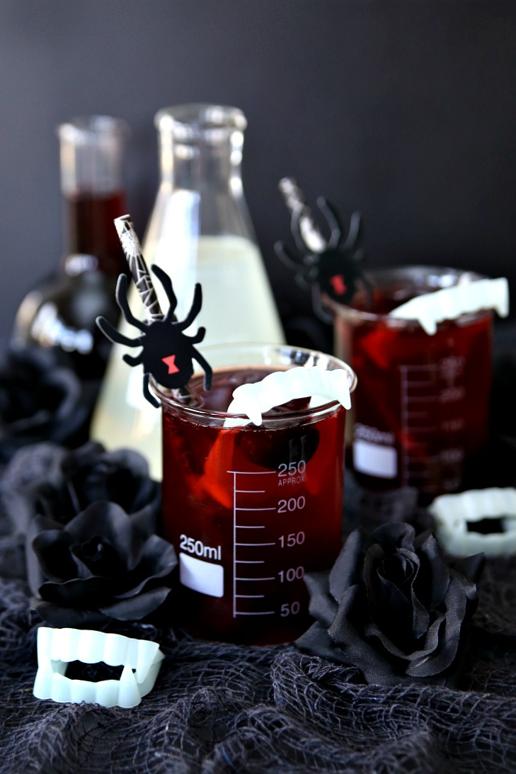 Cocktail Halloween Vampire Bite Halloween Cocktail