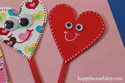 plate heart puppet at happyhomefairy.com 8
