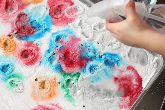Fizzing Colours A Baking Soda And Vinegar Experiment For Kids