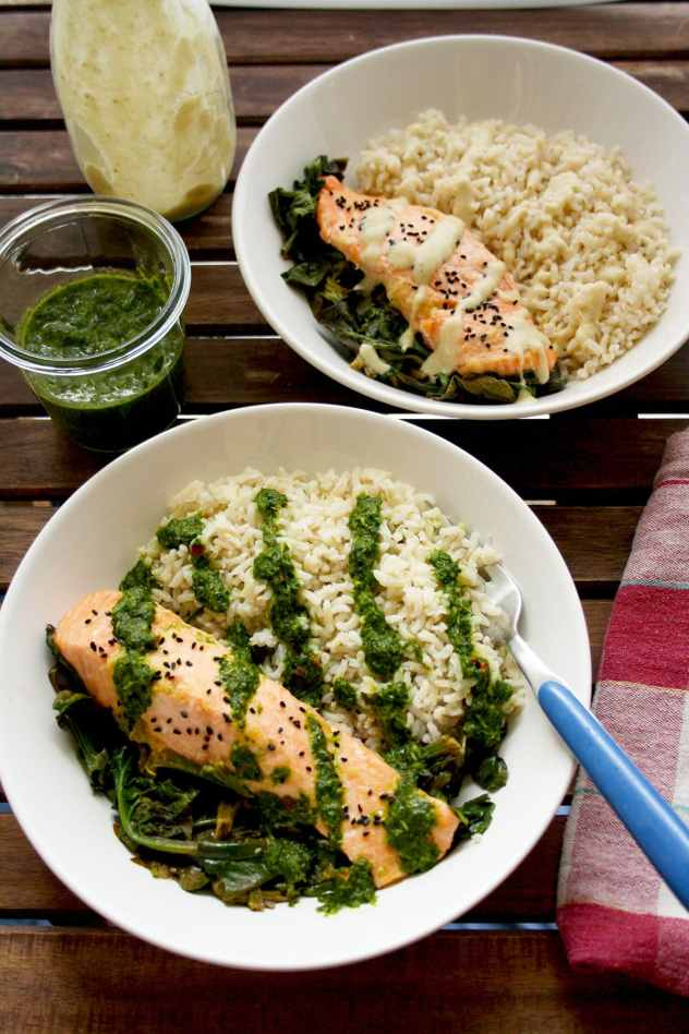 Easy Parchment Salmon with Spinach - Happy Kitchen.Rocks