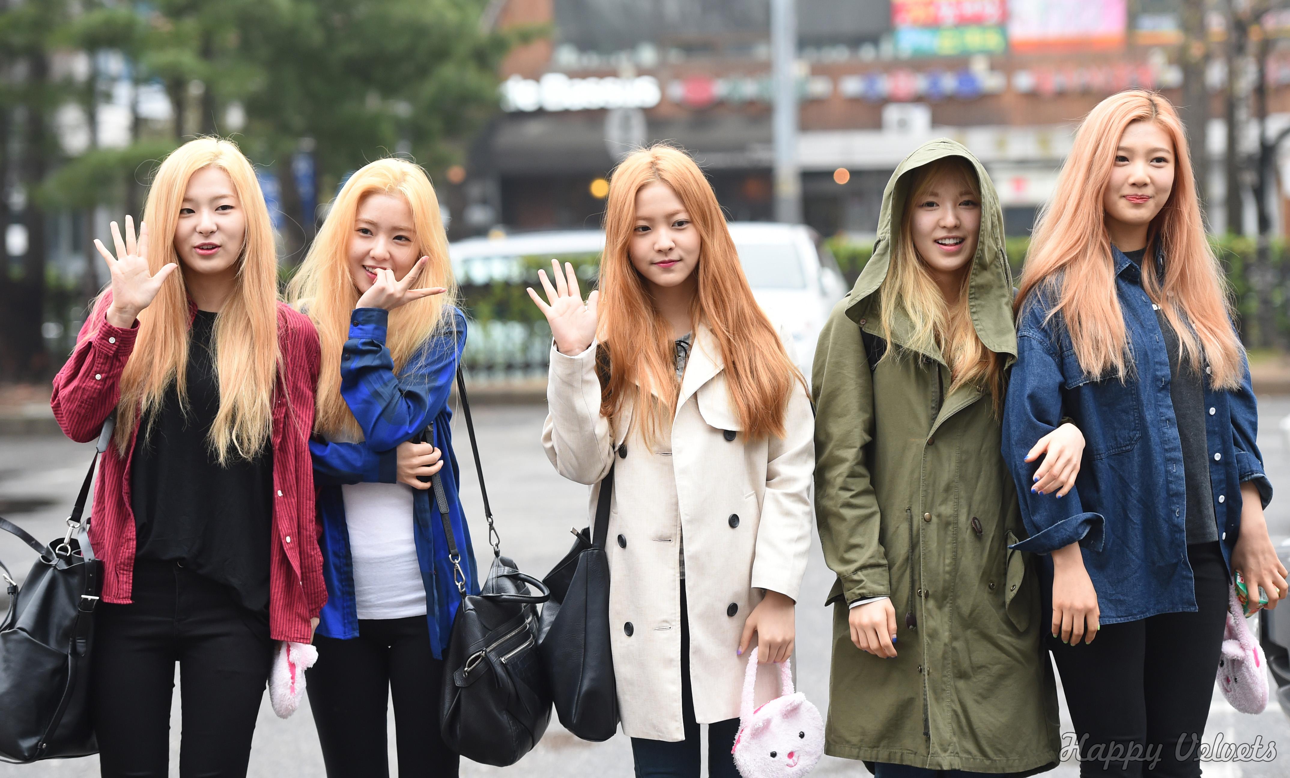 Wallpaper Girl Band Korea 2015 04 03 Red Velvet On Their Way To Music Bank Happy
