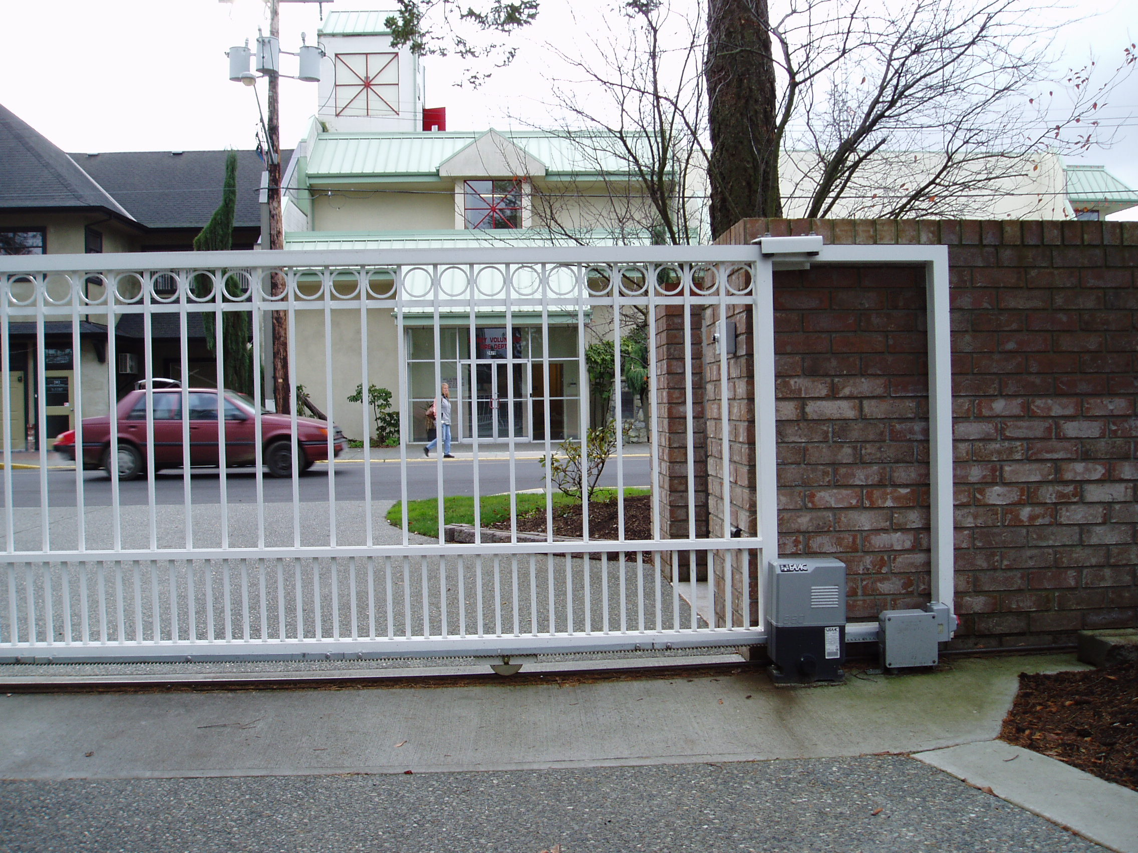 Diy Rolling Fence Gate Sliding Cantilever Gates Harbour Door