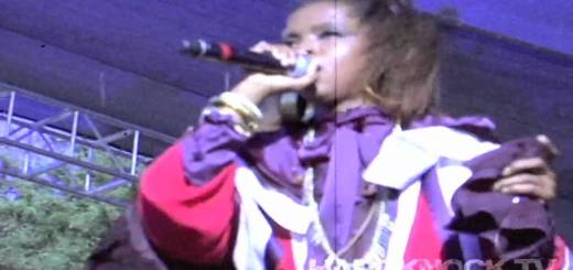 Lauryn Hill performs Lost Ones over Drake/Timbalands's Say Something