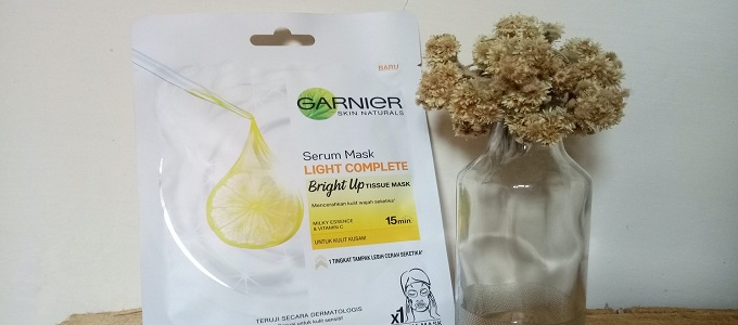 Ilustrasi: Garnier Skin Naturals Serum Mask Light Complete (credit: thesonet)