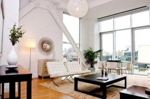 101 living room1 Selling Harlem On HGTVs Hit Show Selling New York