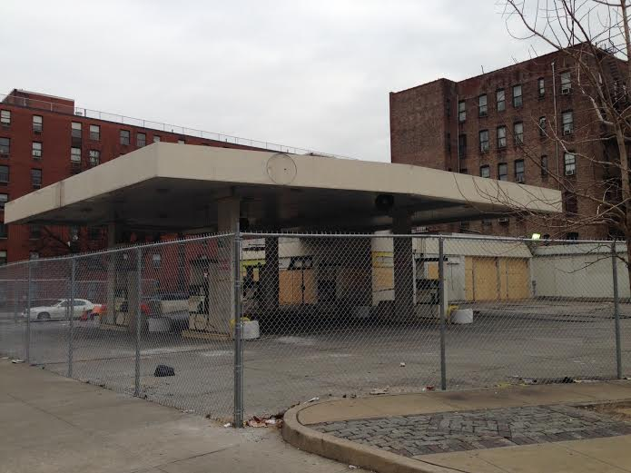 Gas station lot in South Harlem now fenced off with construction to begin