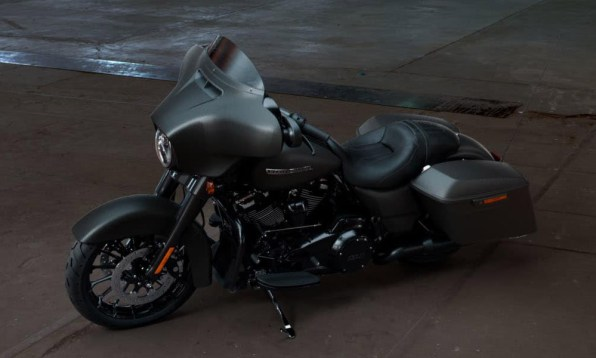 Motocykel Harley-Davidson touring Street Glide Special 114 farba Industrial Gray Denim