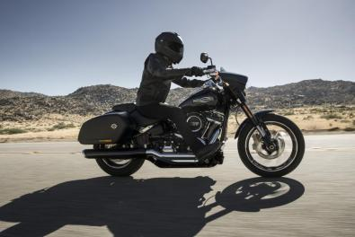 Novinky 2018 motocykel Harley-Davidson Softail Sport Glide