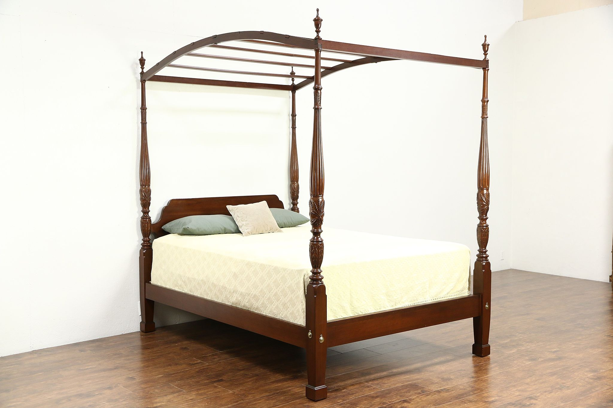 Four Poster Queen Size Bed Sold Ethan Allen Rice Plantation Four Poster Queen Size