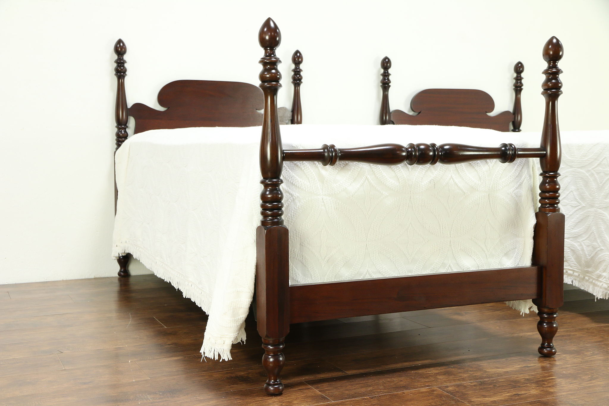 Single Four Poster Bed Pair Antique Mahogany Twin Or Single Poster Beds 30585