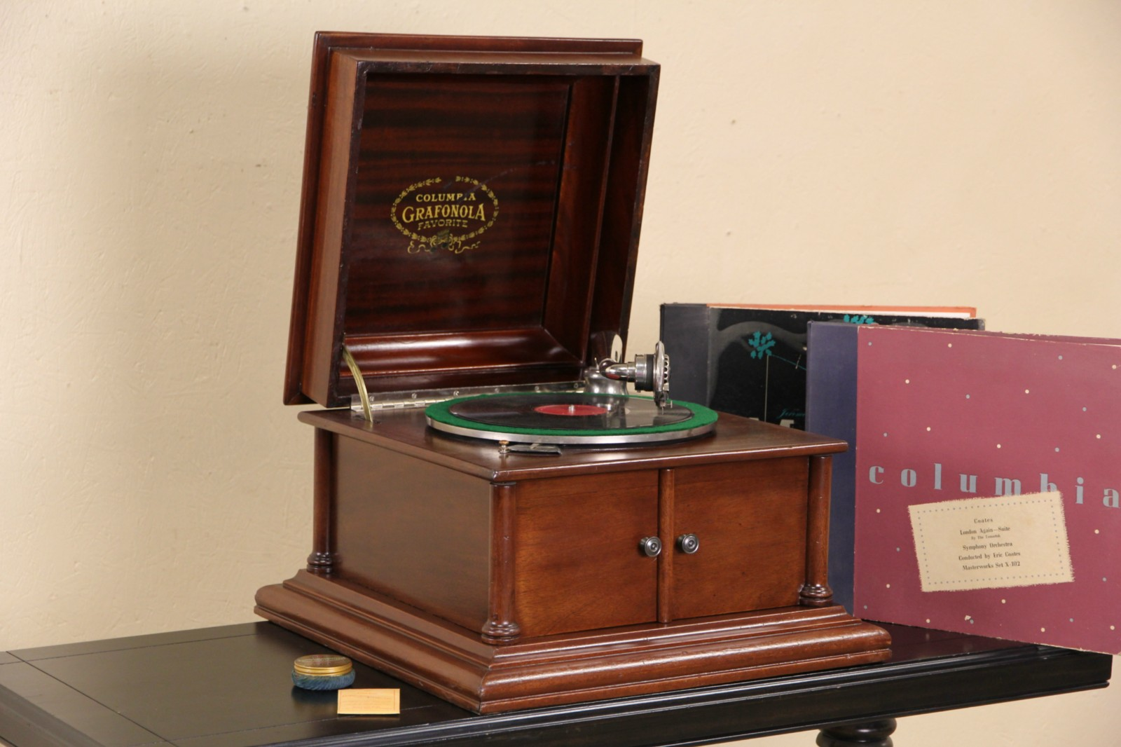 Ebay Sofas Sold - Columbia Grafonola Record Player Antique 1910