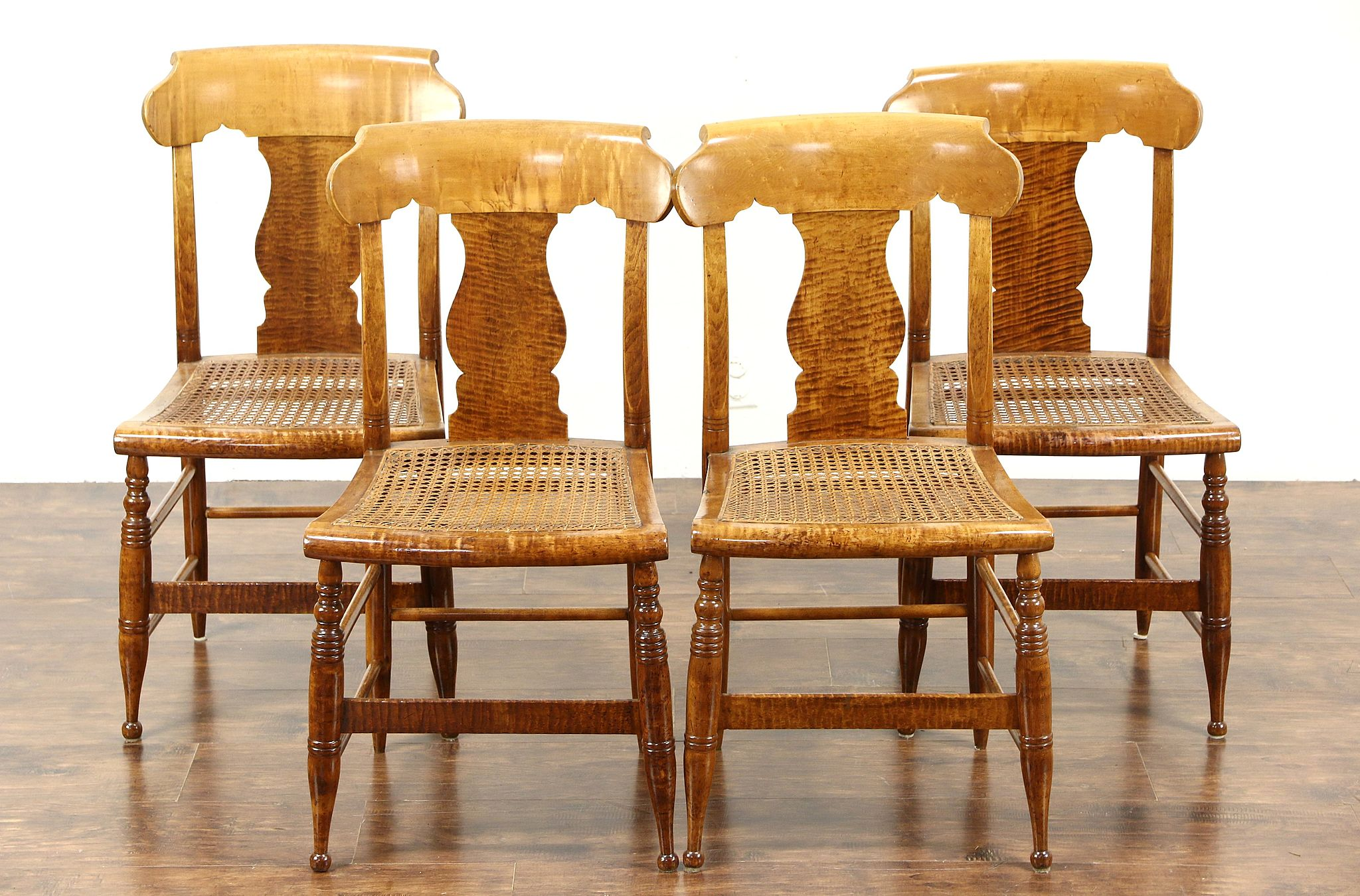 Sold Set Of 4 Antique 1830 Tiger Birdseye Curly Maple New England Dining Chairs Harp Gallery Antiques Furniture