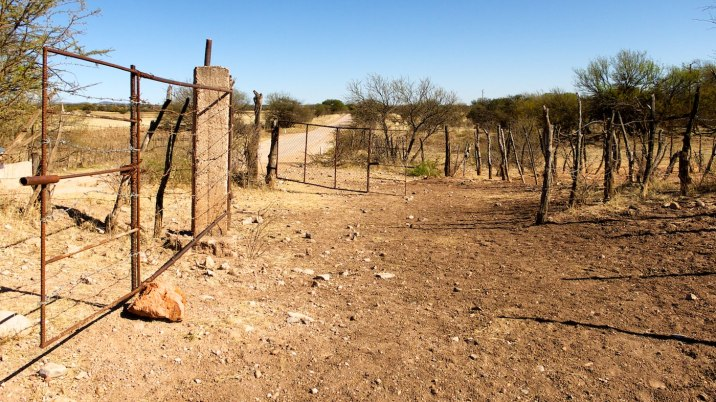 Some of the cattle guards have a gate on the side; this time I'm lucky.