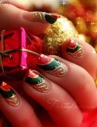 25 Cool Christmas Nail Designs - Hative