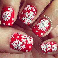 20 Cool Snowflake Nail Art Designs - Hative