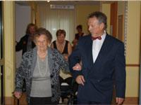 Senioren und eleganter Herr