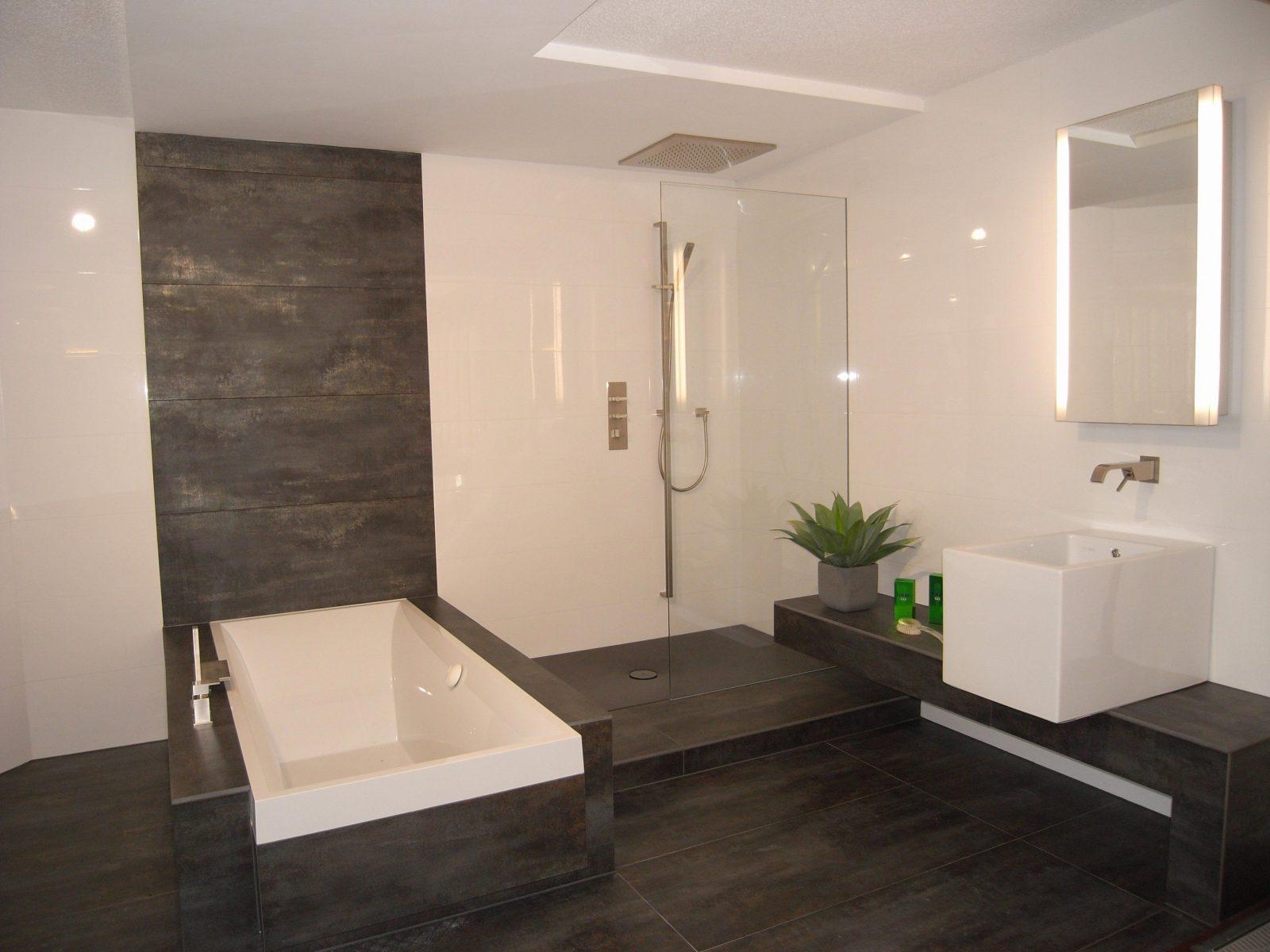 Moderne Fliesen Haus | Badezimmer Hinreißend Bad Fliesen Anthrazit ...