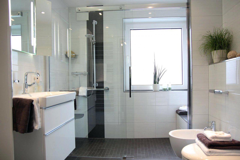 Badezimmer Fliesen Abschlagen | Bad Sanieren Finest Bad Renovieren ...
