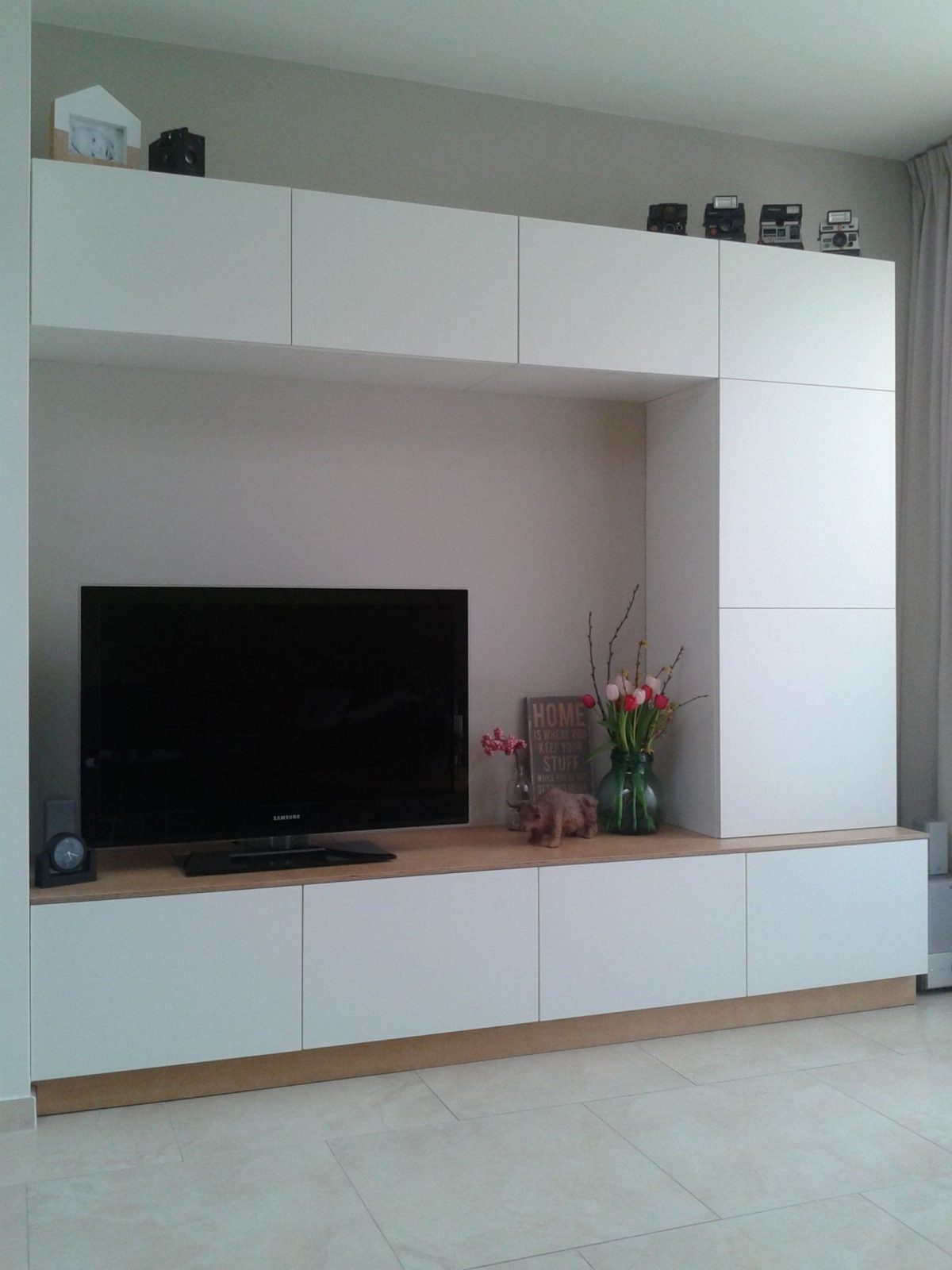 Boxspringbett 160x200 Sofort Lieferbar Ikea Hack Besta We Made A Customized Entertainment Wall