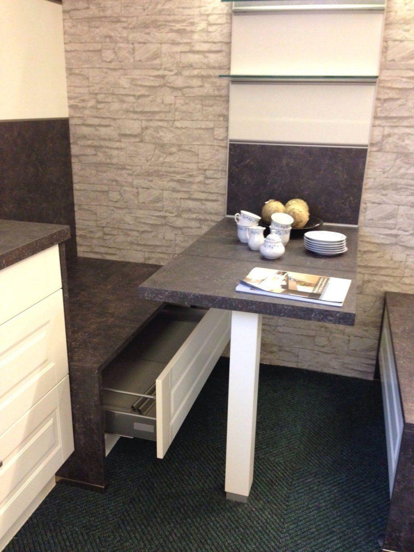 Kleine Schmale Küche Mit Essplatz | Küche In U Form Planen 50 Ideen ...