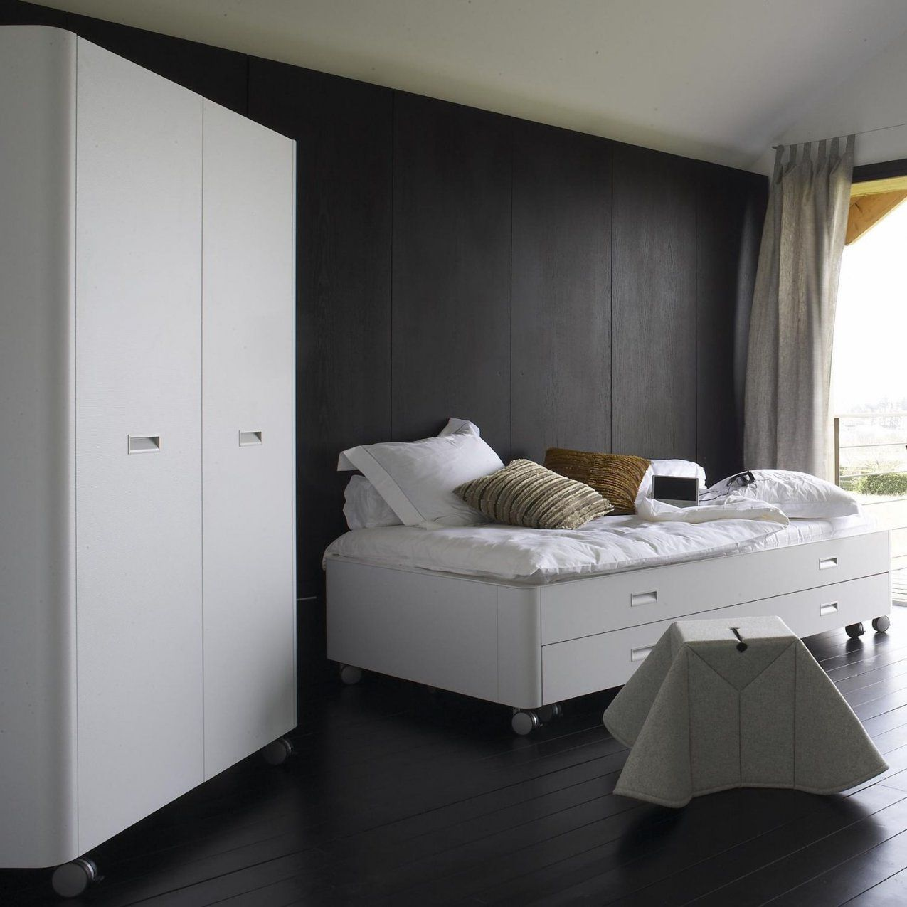 Jersey Bettwäsche Estella Single Bed Contemporary On Casters With Drawer Travel
