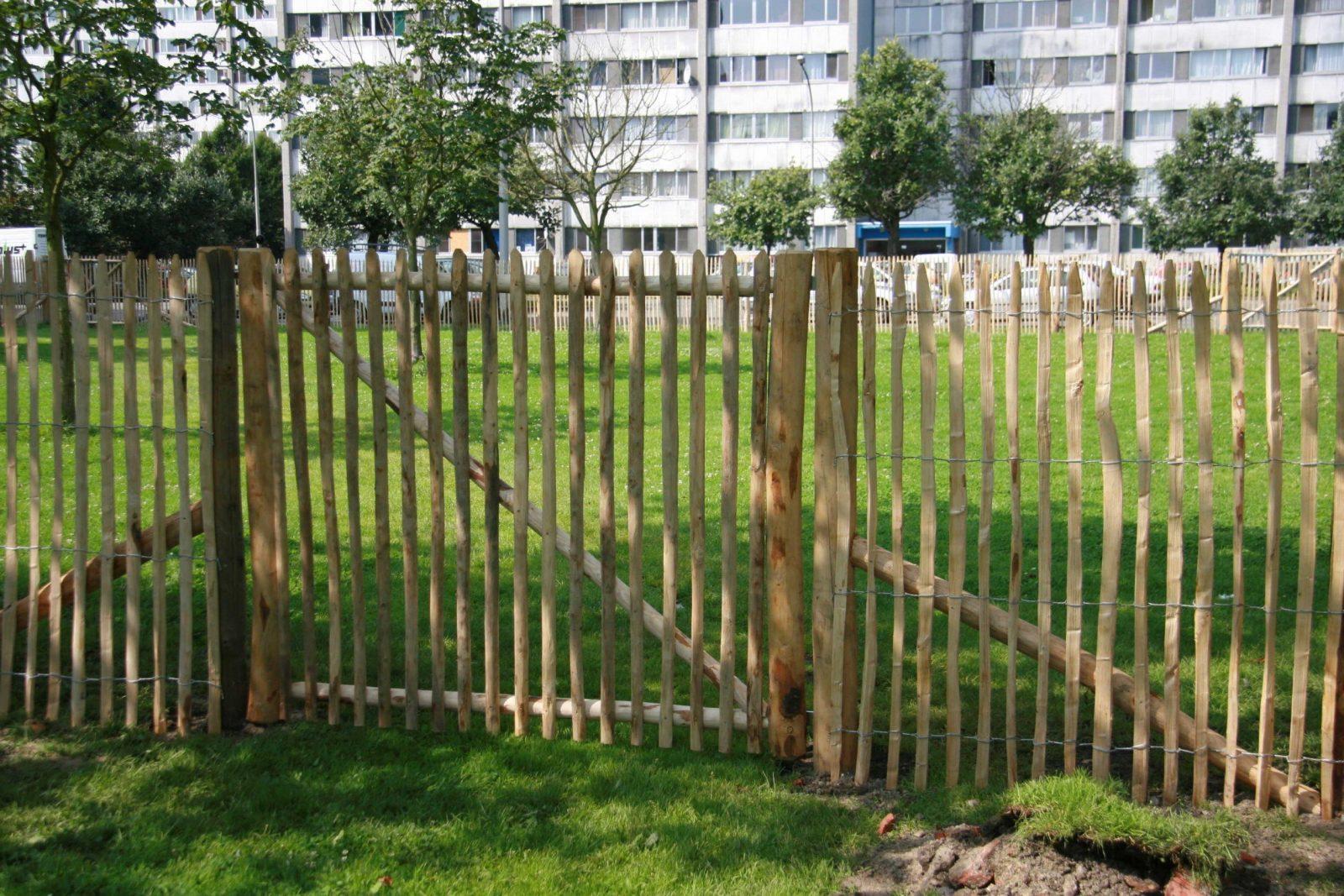 Jagerzaun Gartentor Selber Bauen Sichtschutz Aus Holz Fur Terrasse