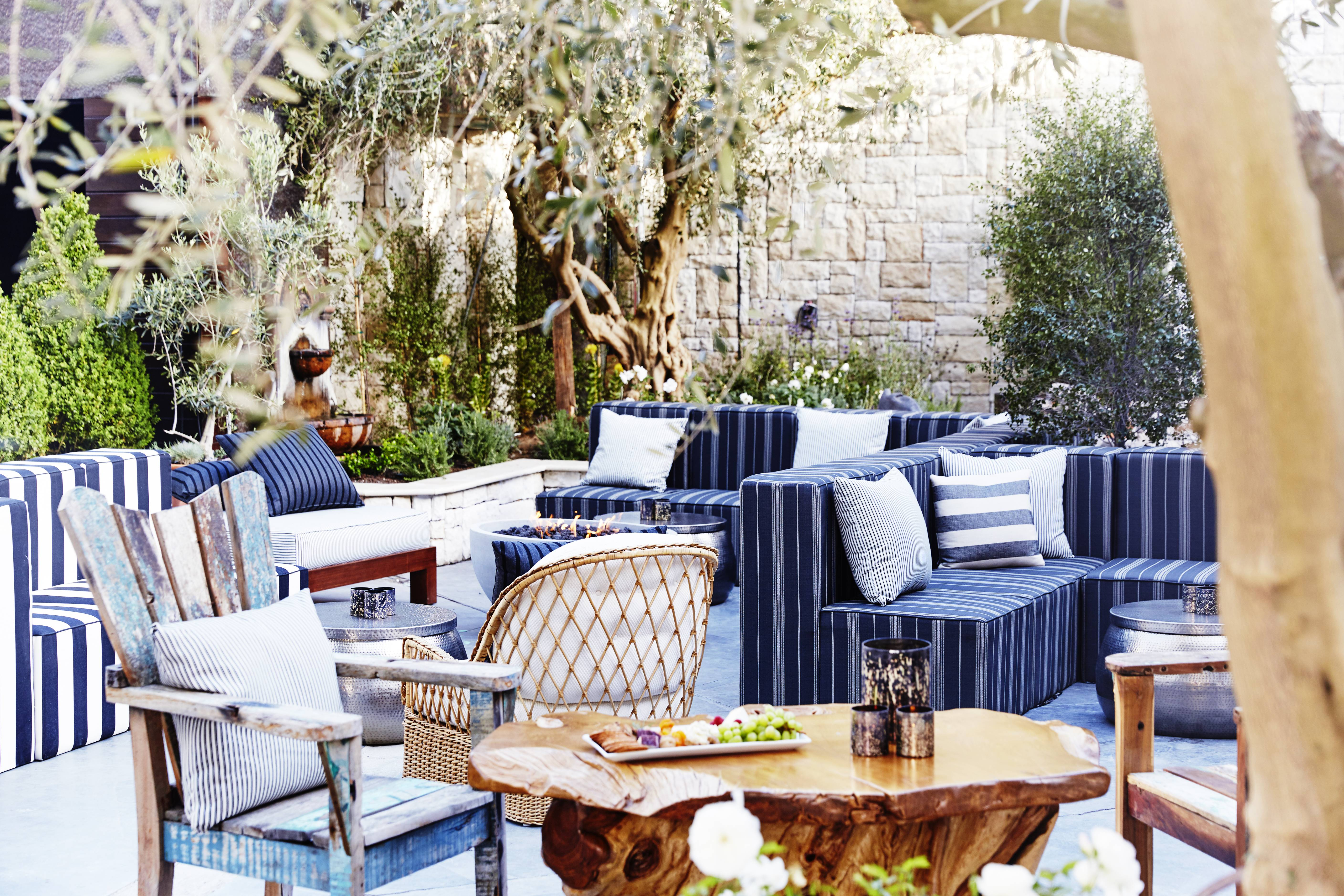 But Jardin Your New Los Angeles Summer Staple Is Le Jardin Lounge