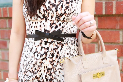 An Dyer wearing Kate Spade Bow Belt