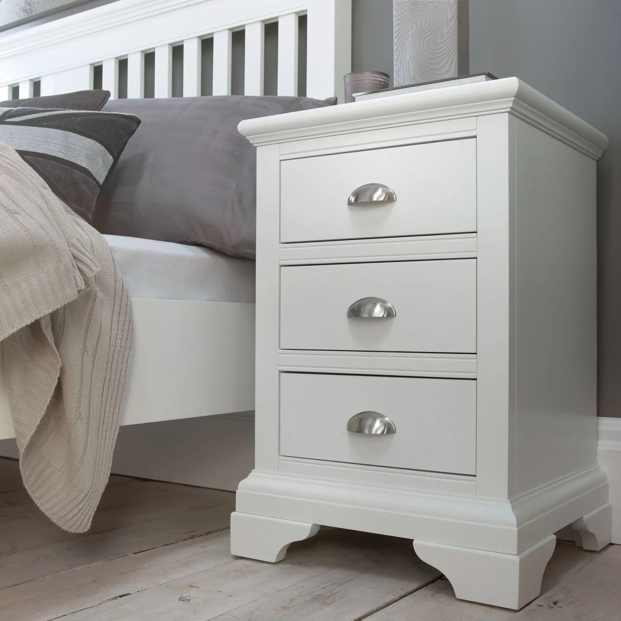 White Bedside Drawers Hampstead White 3 Drawer Nightstand