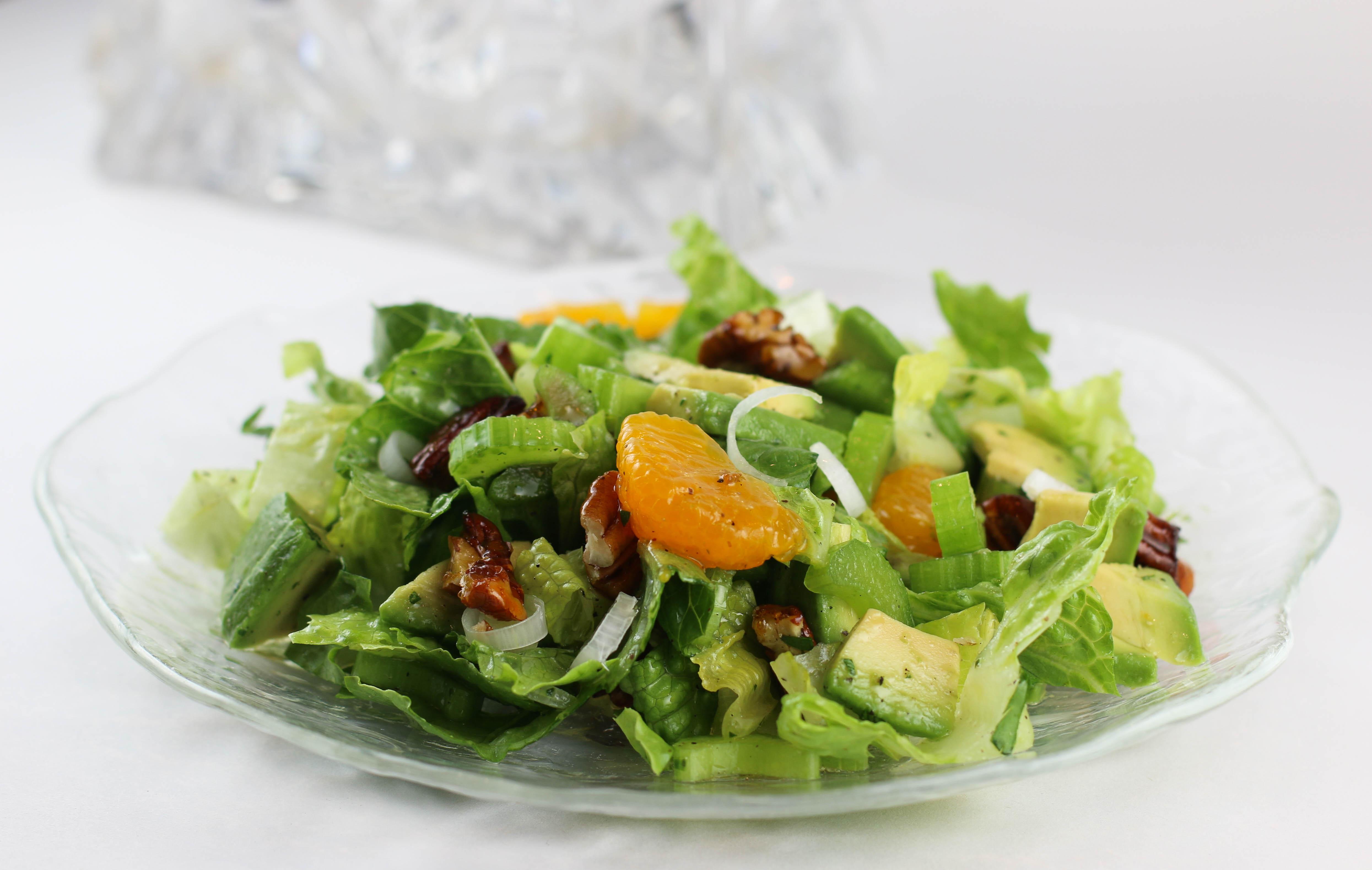 Mandarin Avocado and Pecan Salad