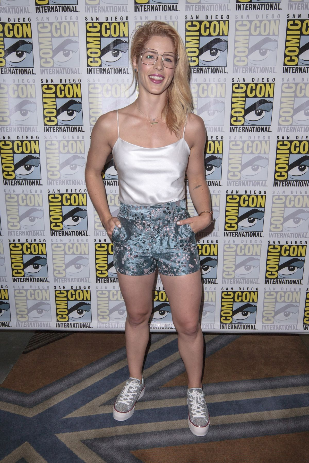 Bett Comic Emily Bett Rickards At Comic Con 2018 In San Diego 07 21 2018