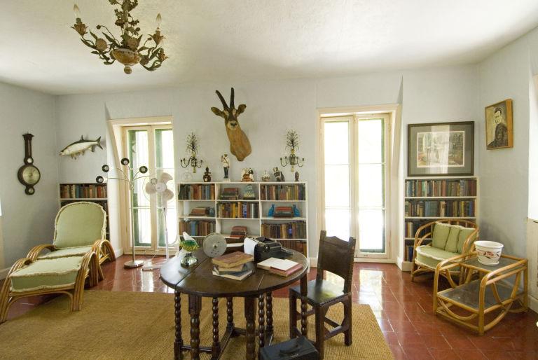 Ernest Hemingway Homes - Inside Hemingwayu0027s Key West and Cuban Estates - key west style home decor