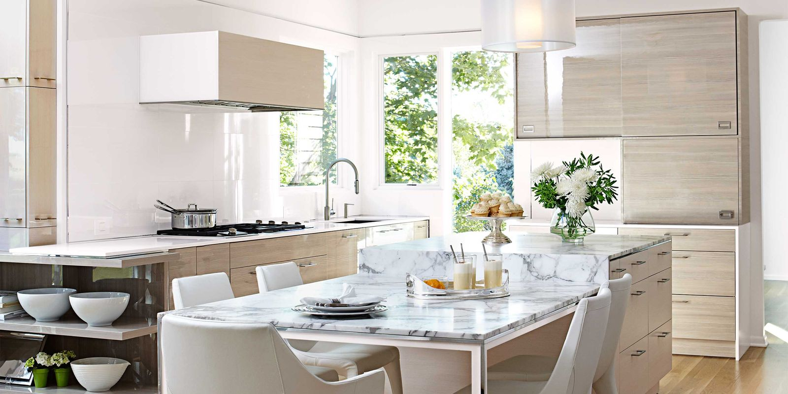 Bright Kitchen Cabinets Airy And Bright Kitchen Contemporary Kitchen Design