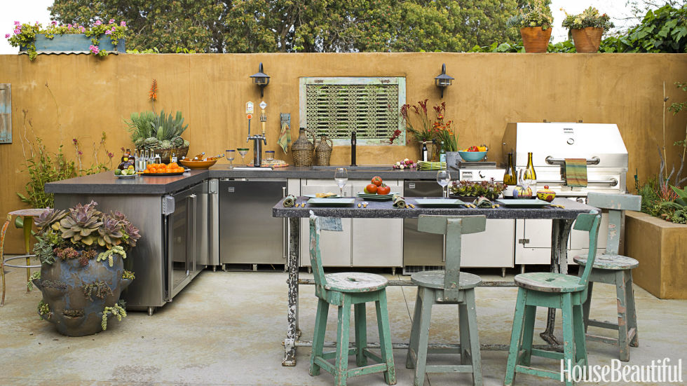 20 Outdoor Kitchen Design Ideas and Pictures - outside kitchen designs