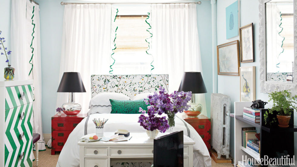 20 Small Bedroom Design Ideas - How to Decorate a Small Bedroom - beautiful bedroom ideas for small rooms