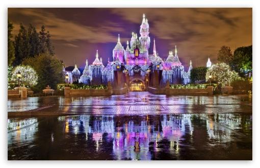 Walt Disney World Iphone Wallpaper Sleeping Beauty Castle Christmas At Disneyland 4k Hd
