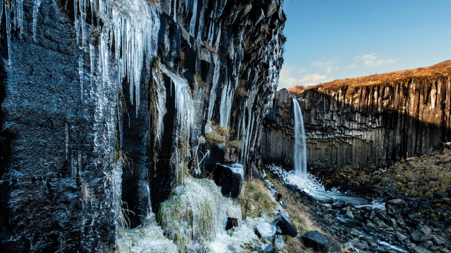 Waterfalls Live Wallpaper 3d Hd Waterfall Icicles On Formation Cliff Hd Desktop Background