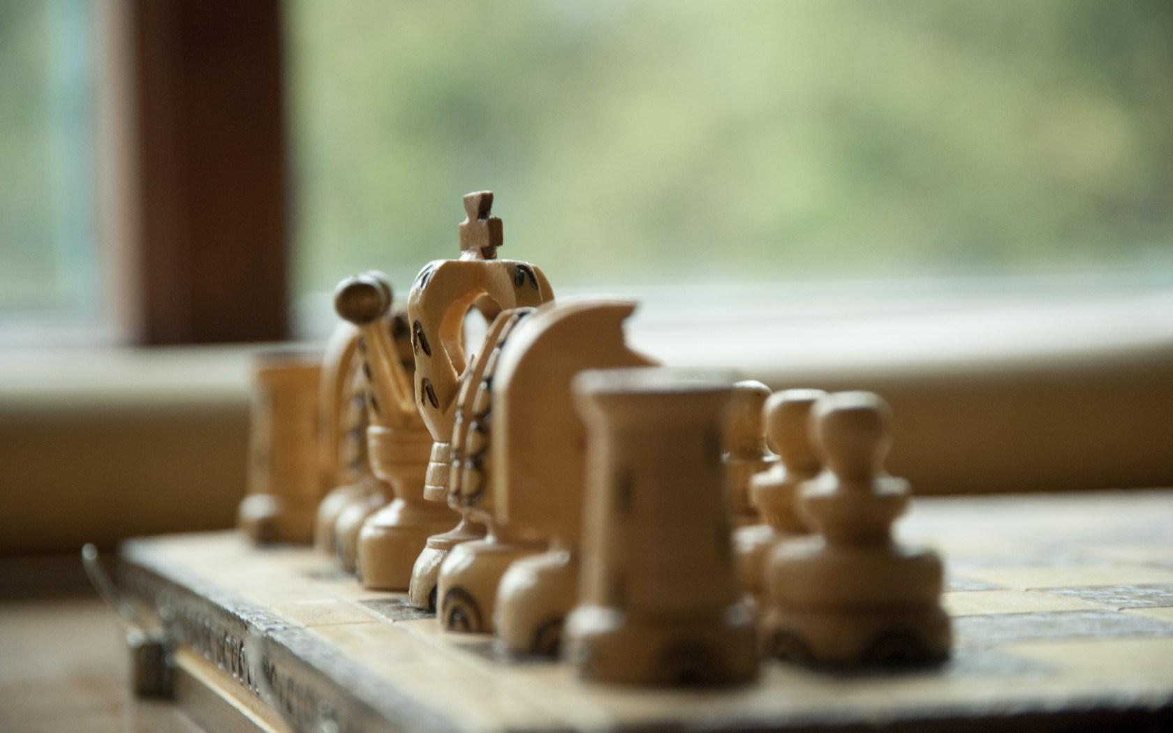 Cute Queen Wallpaper Chess Pieces Wood Game Hd Desktop Wallpapers 4k Hd