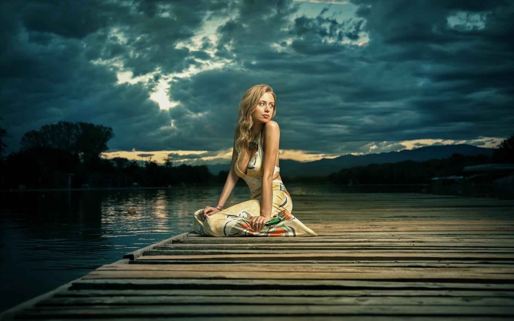 1400x900 Girl Wallpaper Girl Alone Sitting Near Lake Hd Girls 4k Wallpapers