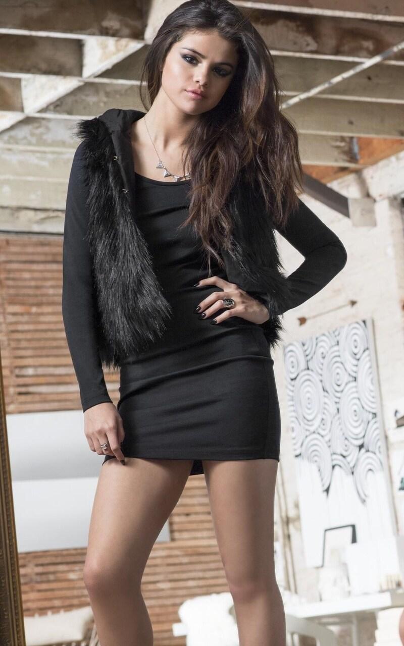 Cigarette Wallpaper Hd 800x1280 Selena Gomez Legs Nexus 7 Samsung Galaxy Tab 10