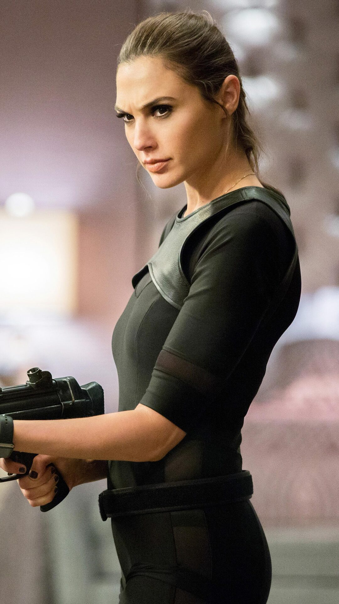 Criminal Girls Wallpaper 1920 1080x1920 Gal Gadot In Keeping Up With The Joneses Iphone