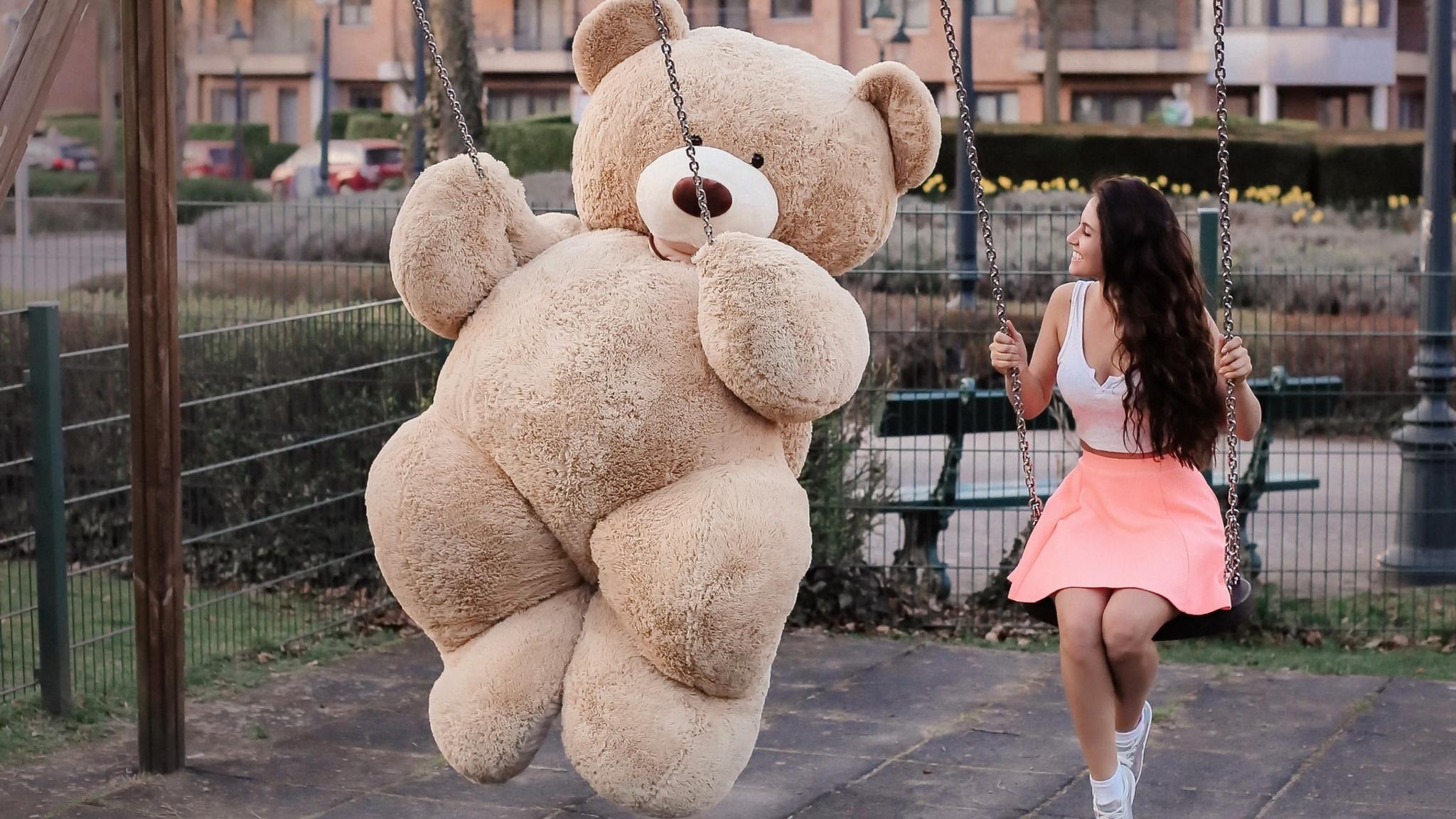 Cute Wallpapers  2048x1152 Girl With Big Teddy Bear On Swing 2048x1152