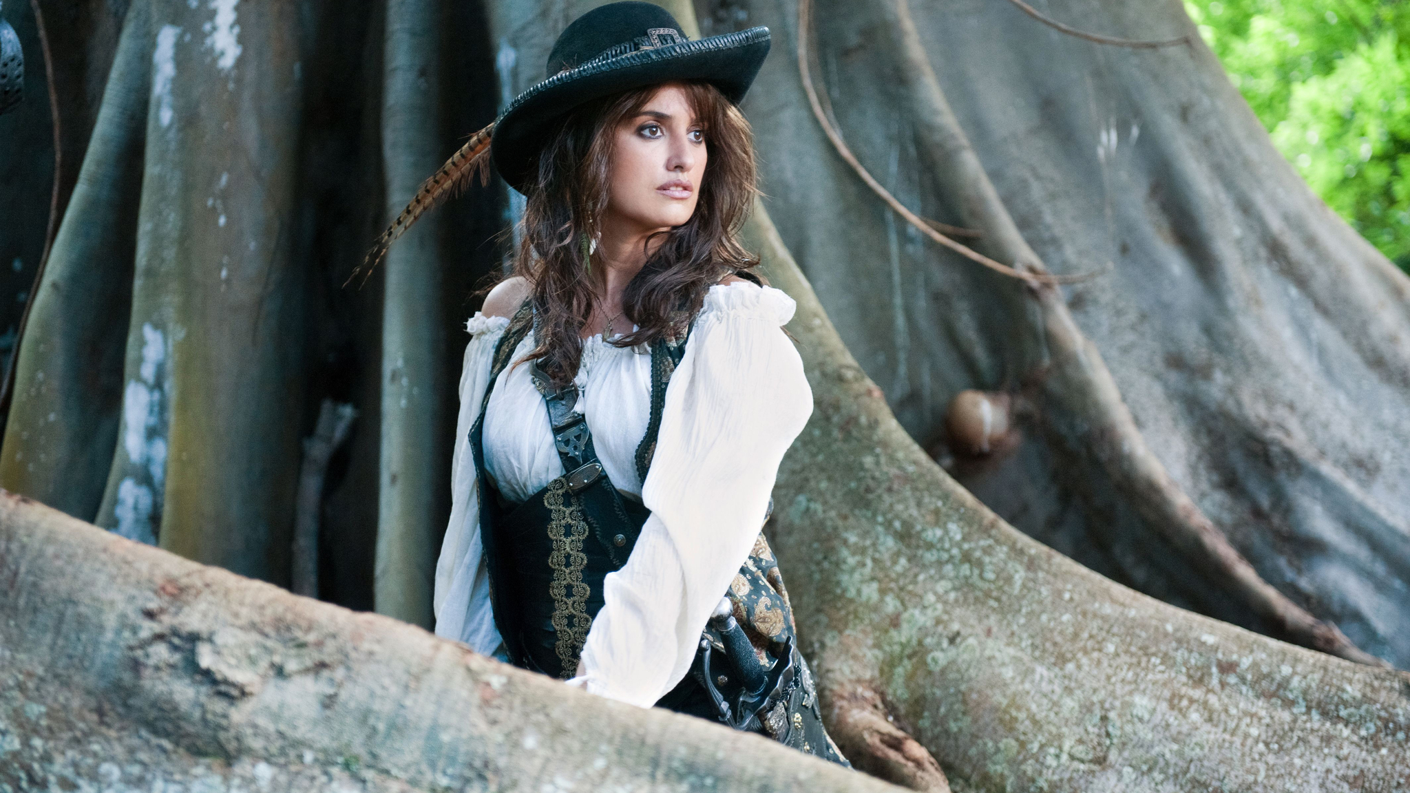Cute Barbie Wallpapers 240x320 2048x1152 Penelope Cruz In Pirates Of The Caribbean