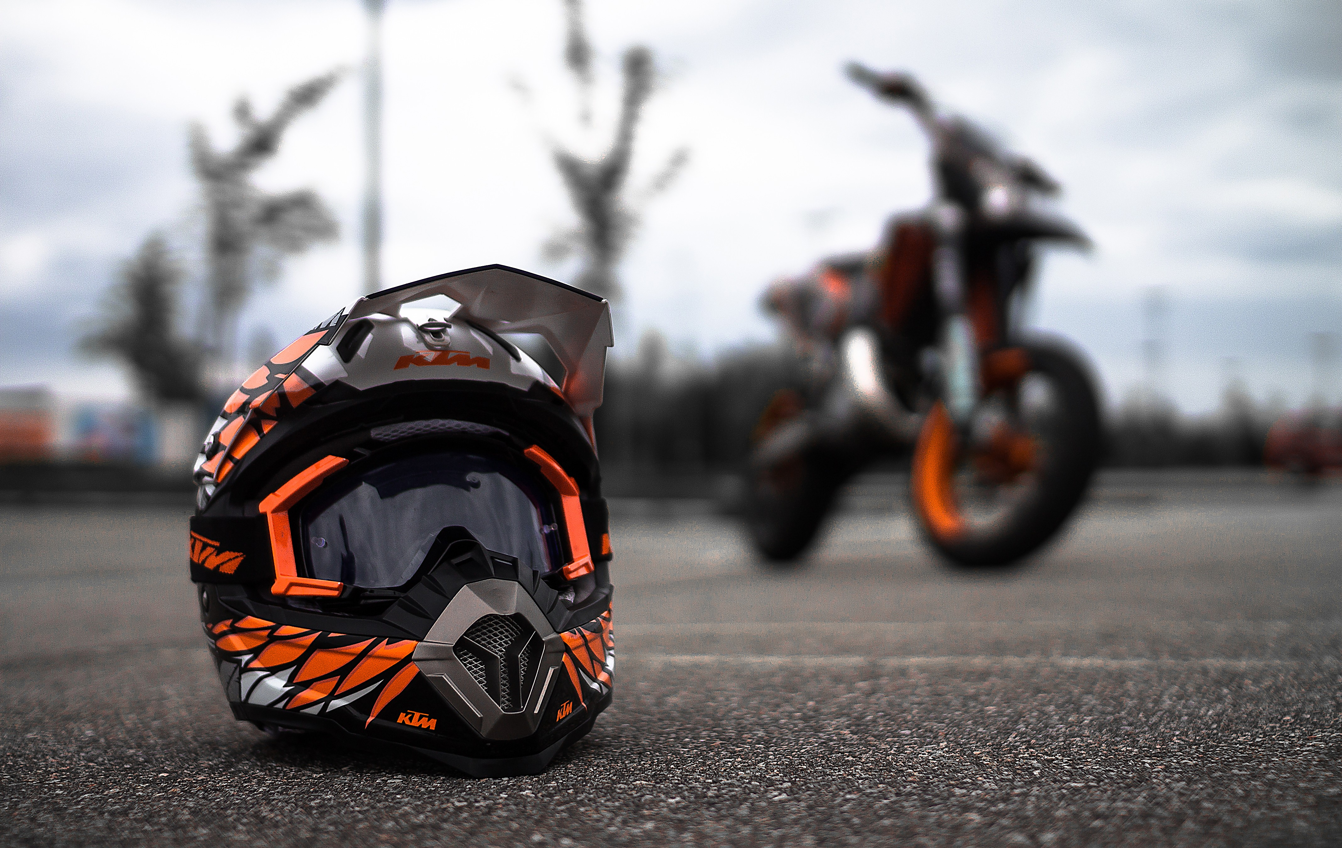 Cute Ipod Wallpapers For Walls 320x240 Ktm Helmet Apple Iphone Ipod Touch Galaxy Ace Hd